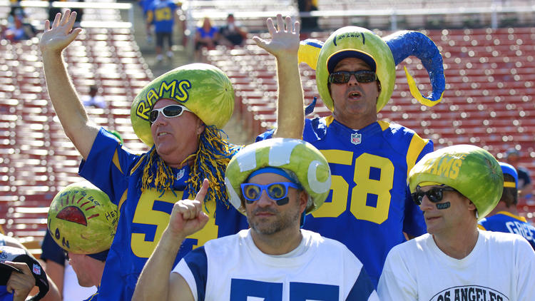 la-sp-los-angeles-rams-return-to-la-photos-201-007